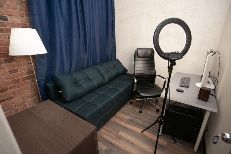 Работа в студии вебкам для парней веб девушка модель симс 4